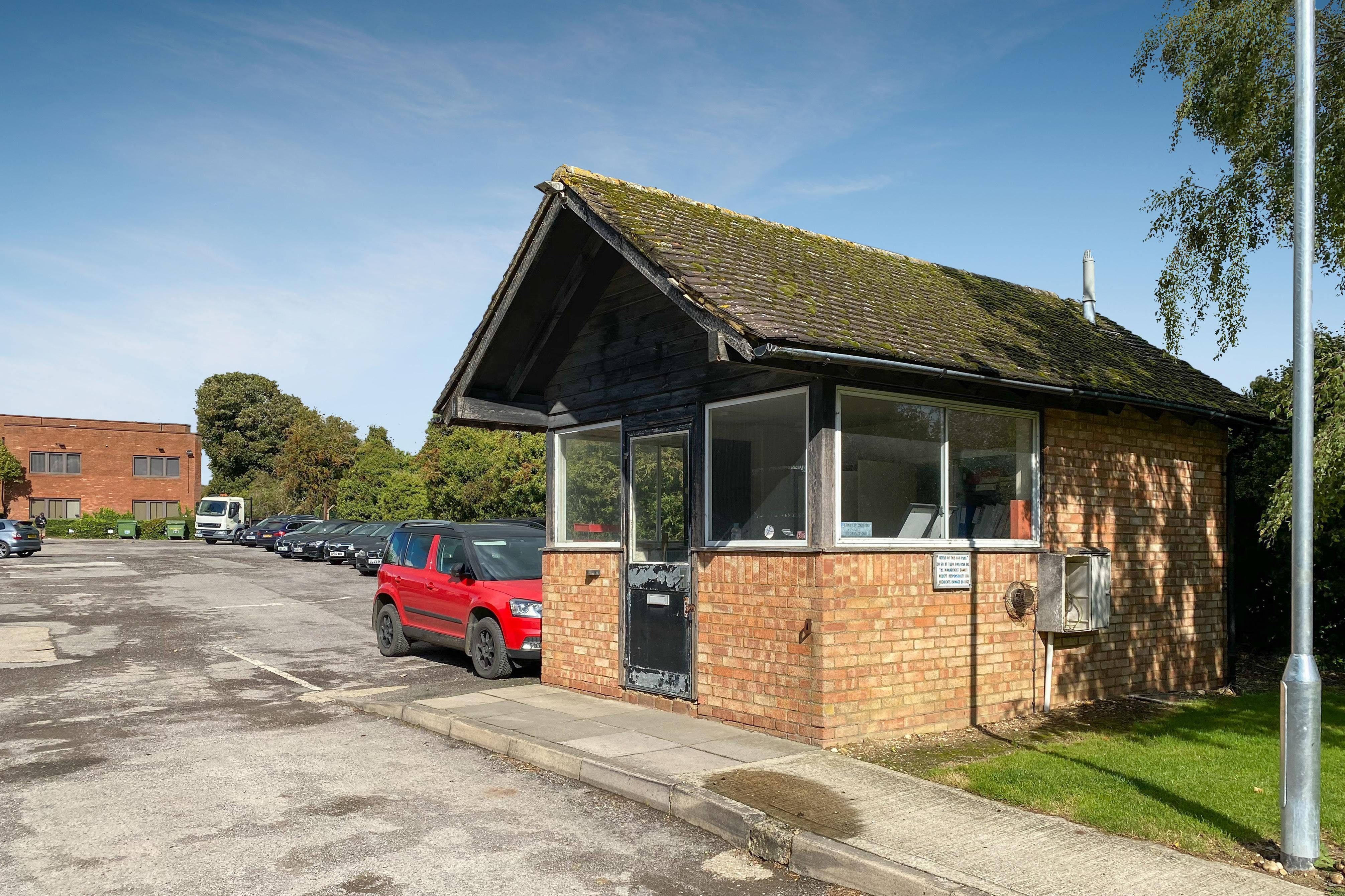 The Gatehouse, Pegasus Way, Haddenham, Office / Industrial / Retail To Let - TH-1.jpg