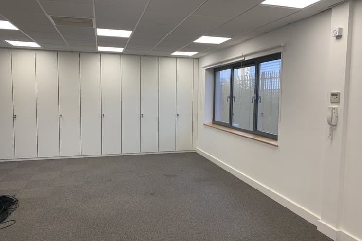 Ground Floor Unit 6 Rotherbrook Court, Petersfield, Office / Business Park To Let - Photo 27092021 11 40 56.jpg