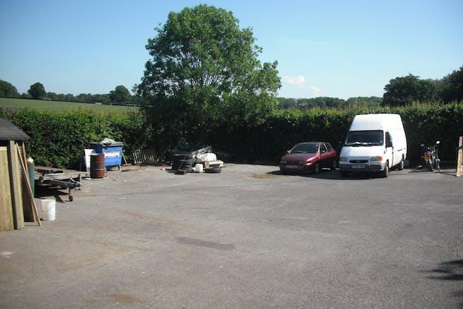 Bagmore Yard, Basingstoke, Warehouse & Industrial To Let - 3055782.jpg
