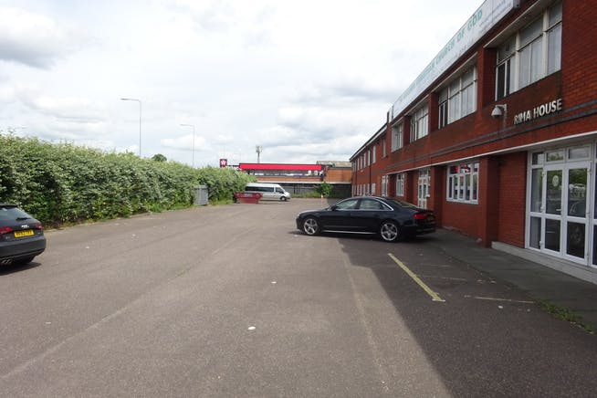 Ground Floor, Rima House, Ripple Road, Barking, Offices / Suis Generis (other) To Let - DSC02424.JPG