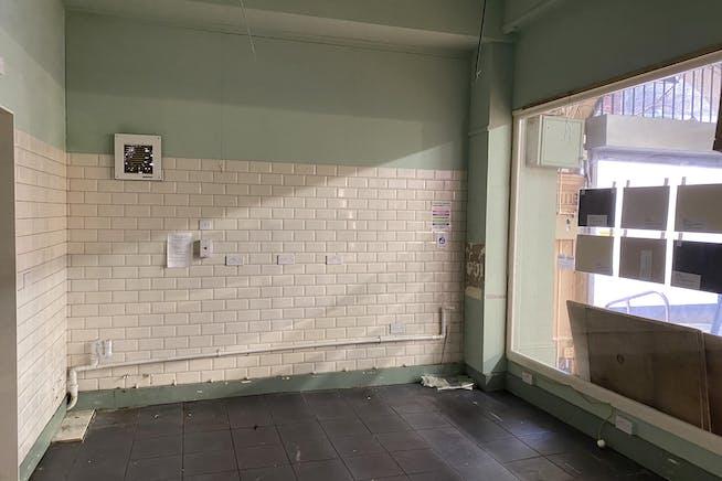 14-16  Queens Avenue, Hastings, Retail To Let - IMG_4412.jpg