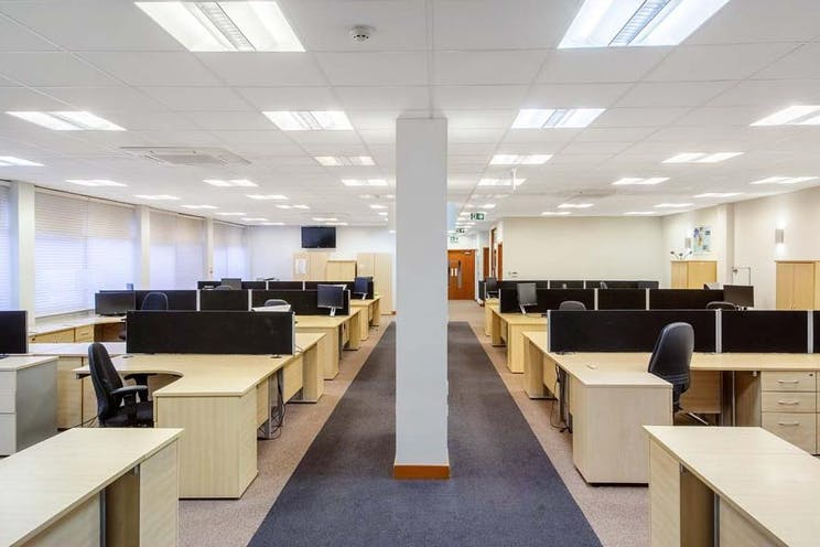 1st Floor Solent House, Lansbury Business Estate, Lower Guildford Road, Woking, Offices To Let - lansbury 17 internal1.jpg
