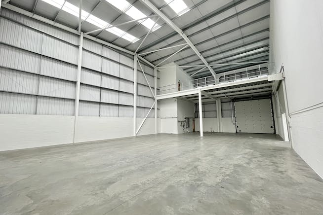 Unit 1 Elia Close, High Wycombe, Industrial To Let - IMG_7458.jpg