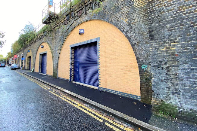 Arches 553 & 554 Brixton Station Road, London, Industrial To Let - Brixton Station Road Arch 554 1i.jpg