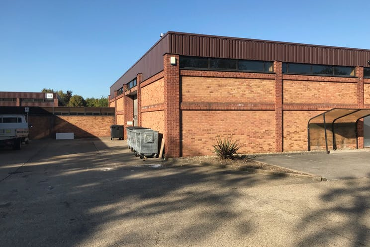 Unit 40, Suttons Business Park, Reading, Industrial To Let - IMG2952.jpg