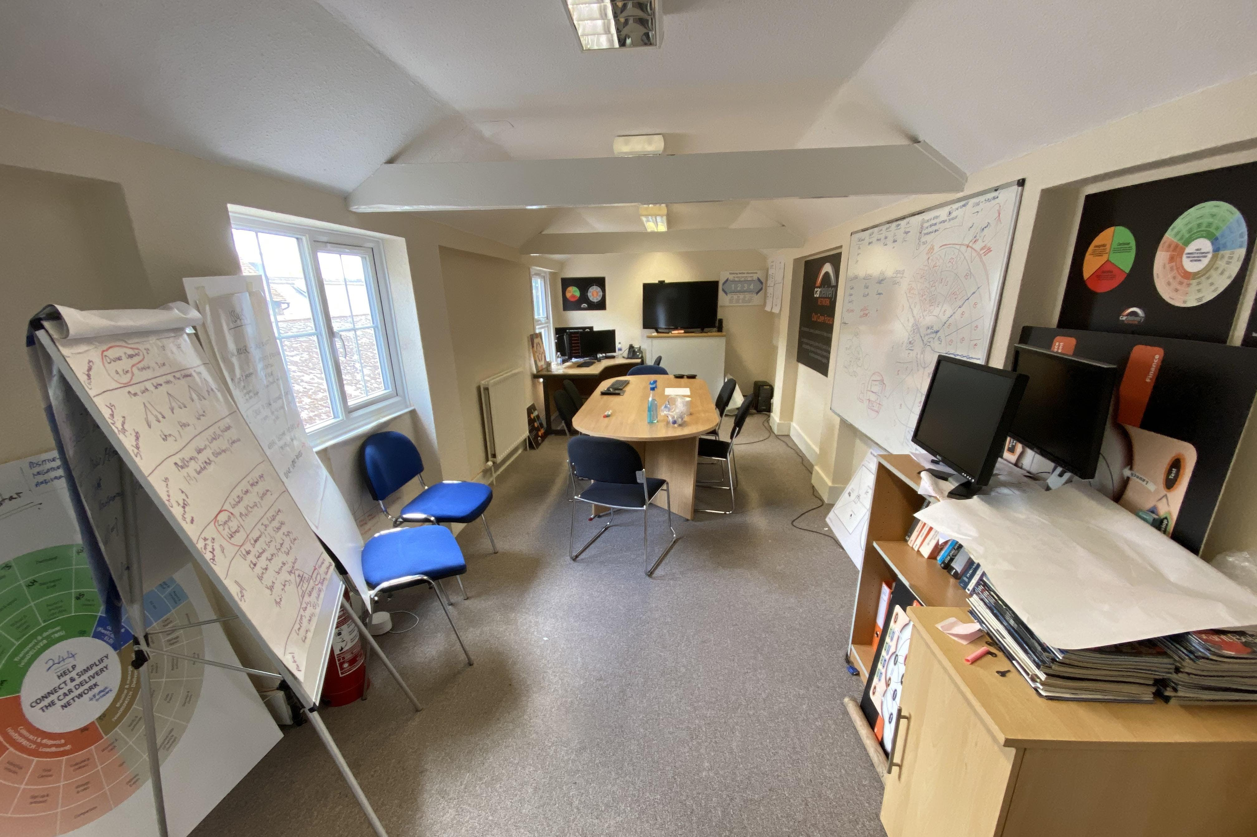 1st and 2nd Floor Offices, 19 Cornmarket, Thame, Office To Let - IMG_8131.JPG