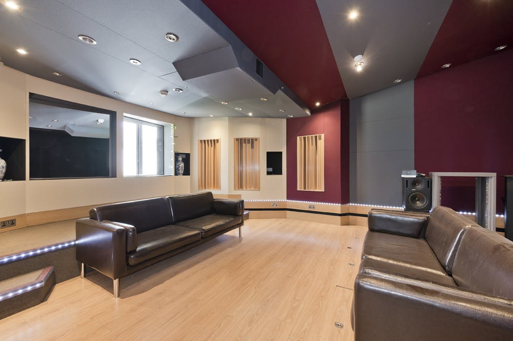 Unit 14, London, Residential To Let - unit 14 the talina centre7733 low.jpg