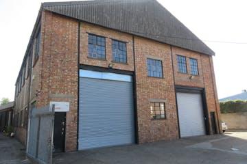 5 Cumberland Works, West Byfleet, Warehouse & Industrial To Let - IMG_1960.JPG