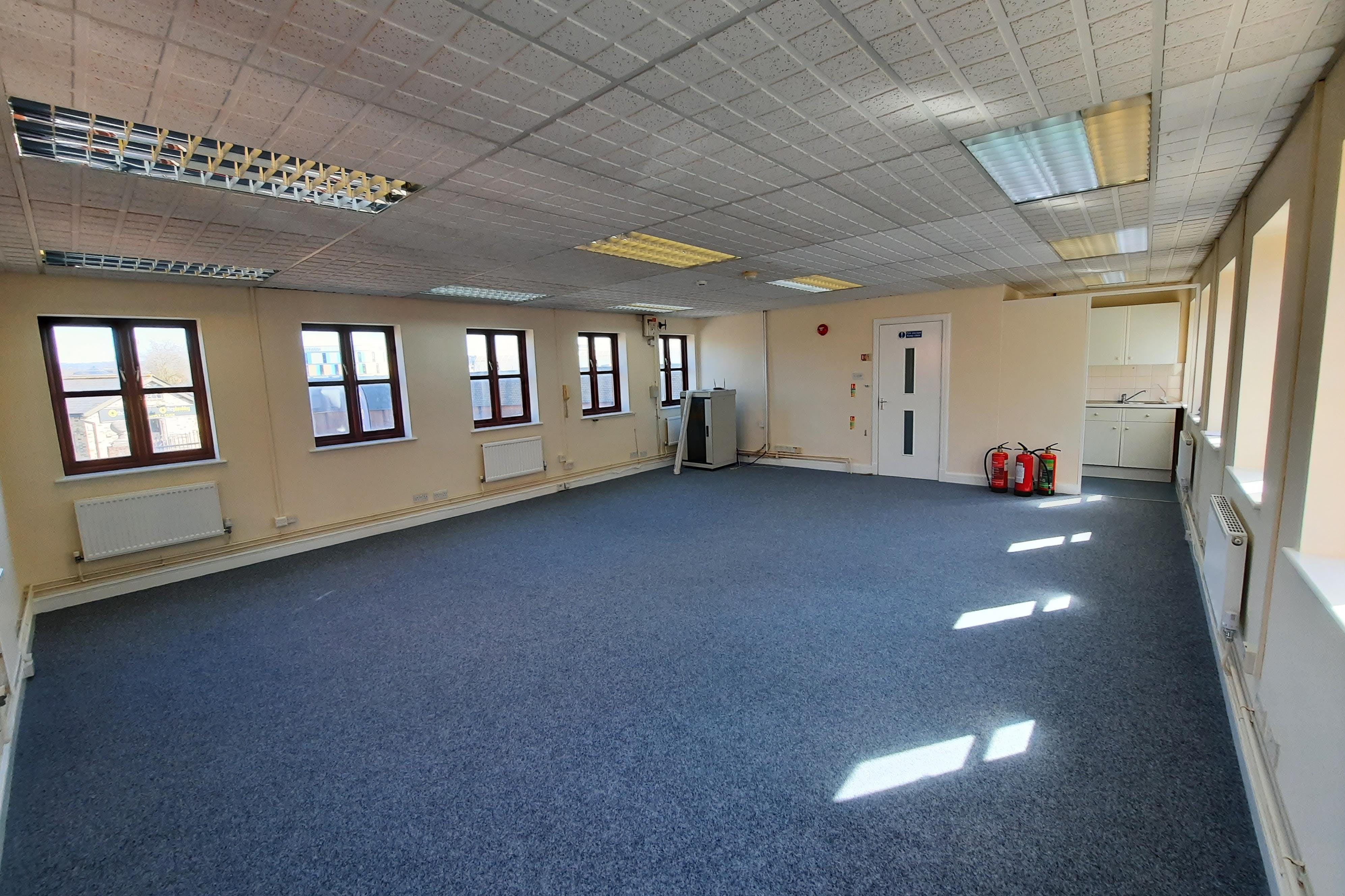 1A London Road, Maidstone, Office To Let - 20210330_113525.jpg