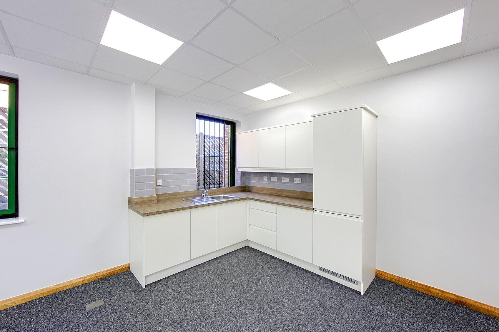 The Forum, 5 The Forum, Chertsey, Office To Let - kitchenette.jpg