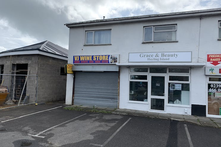 3 Station Road, Hayling Island, Retail To Let - Photo 23-09-2019, 12 24 34.jpg