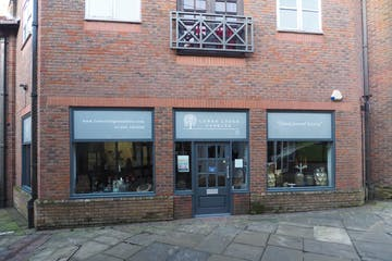 Unit 17 Piries Place, Horsham, Retail To Let - P1250009.JPG