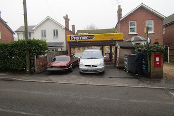 120 Evendons Lane, Wokingham, Retail / Investment To Let / For Sale - IMG_1958.JPG