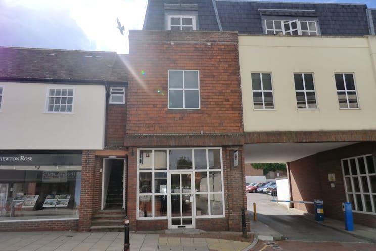 19 Bridge Street, Leatherhead, Retail To Let - bridge street