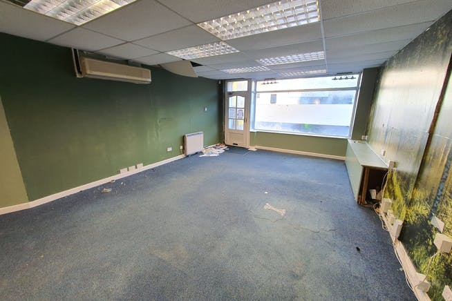 723 Christchurch Road, Bournemouth, Retail & Leisure / Retail & Leisure / Retail & Leisure To Let - 20200110_092740.jpg