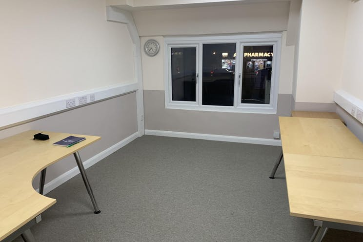 Suite 2A, Ace Of Spades, Hook Rise North, Surbiton, Offices To Let - IMG-5751.jpg