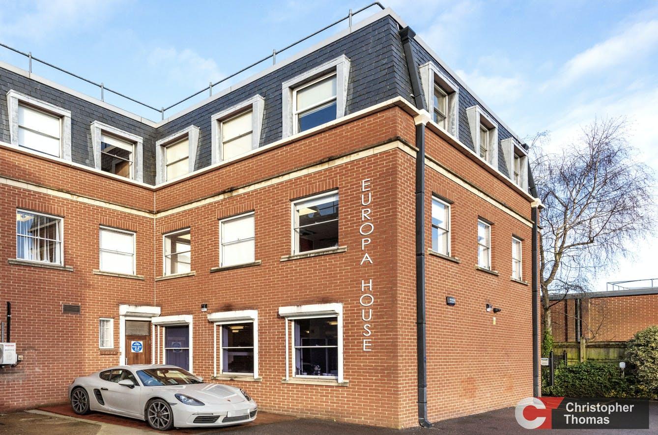 Europa House, Gerrards Cross, Office To Let - 8677ba237d264f6fbb1fc4dd37fb7e8a.jpg
