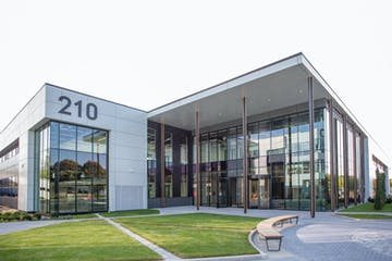 Building 210, Winnersh Triangle, Reading, Offices To Let - Building 210 Winnersh Triangle 13.jpg
