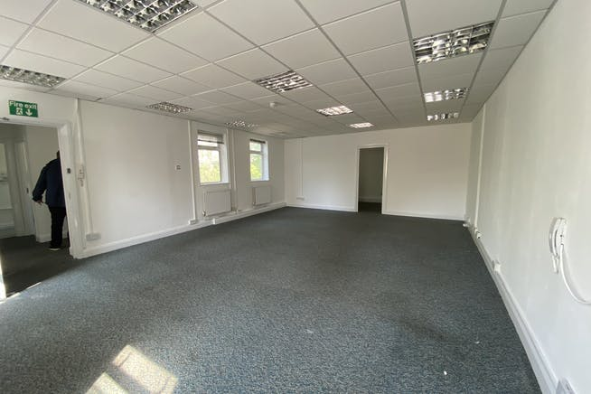 Unit 1 Hutchins Close, Stratford, Office / Industrial To Let - IMG_1363.JPEG