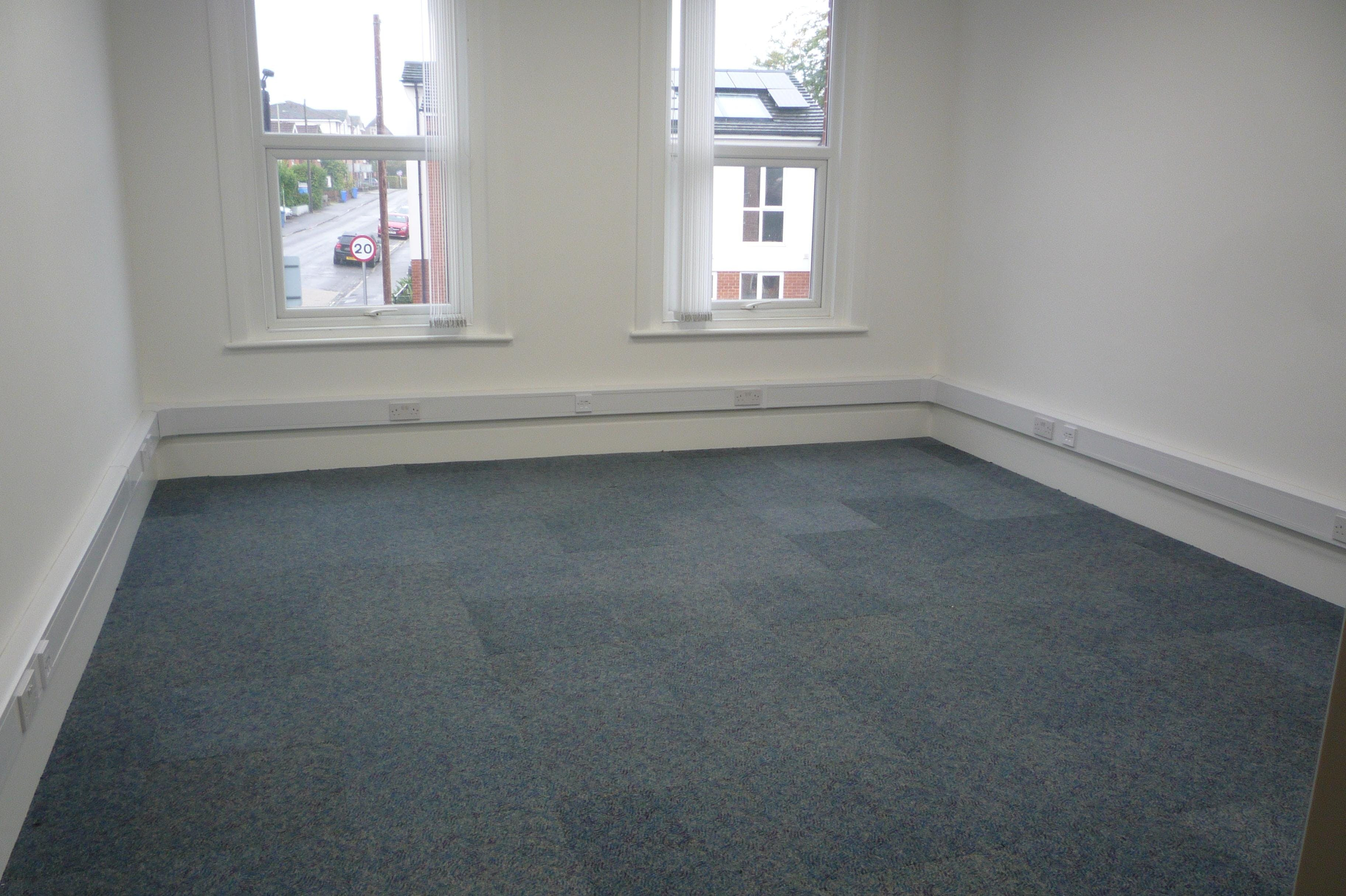 30 Reading Road South, Fleet, Offices To Let - P1040356.JPG