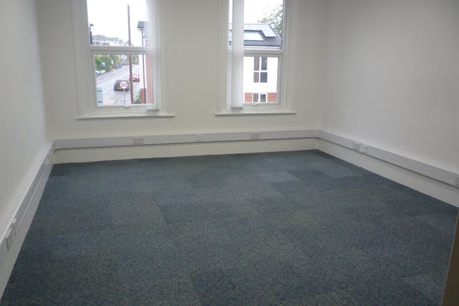 30 Reading Road South, Fleet, Office To Let - P1040356.JPG