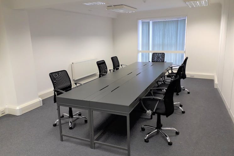First Floor Office, Portsmouth, Office To Let - 20190228_142600.jpg
