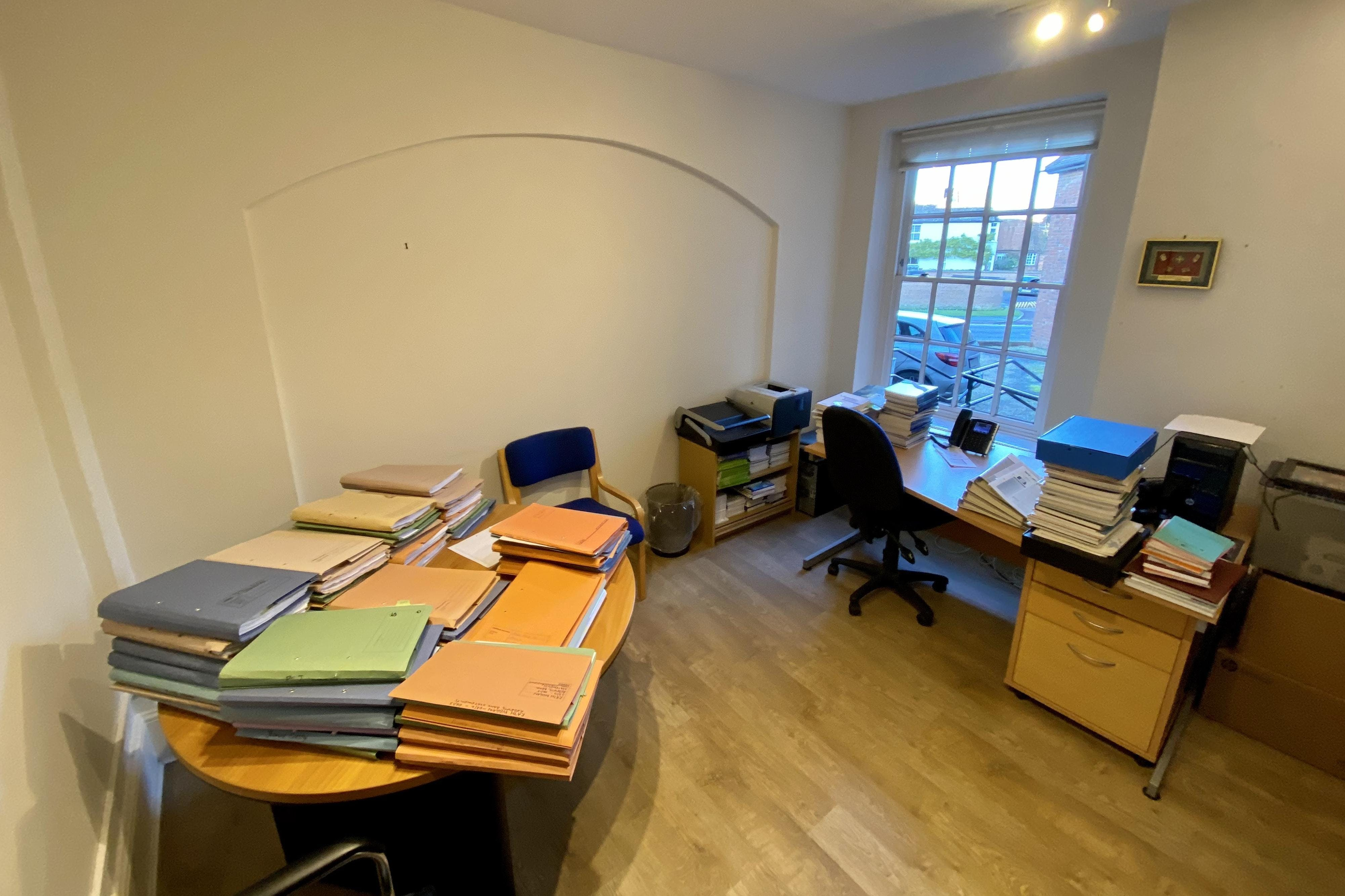 89 High Street, Thame, Office To Let - IMG_0845.JPG