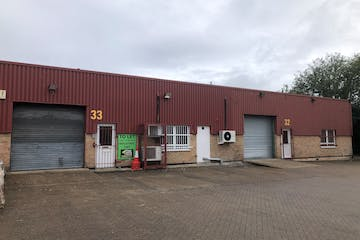 Unit 33, Longshot Industrial Estate, Bracknell, Industrial To Let - 33 Longshot exterior.jpg