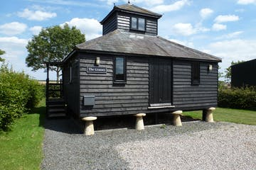 The Granary, Pinkneys Farm, Maidenhead, Offices To Let - P1080074.JPG