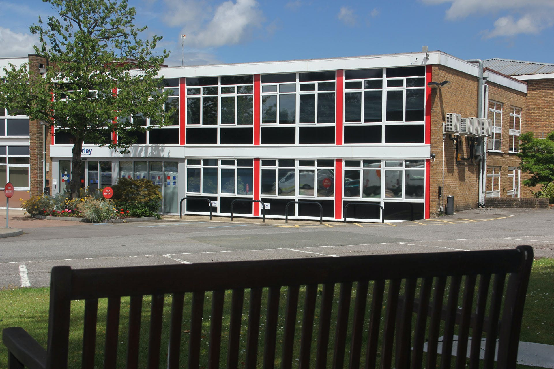 Lansbury Business Estate, 102 Lower Guildford Road, Knaphill, Woking, Offices To Let - LBEUnit4_87701920.jpg