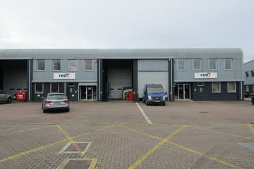 Units 8 & 9 The Business Centre, Wokingham, Industrial To Let - IMG_1585.JPG
