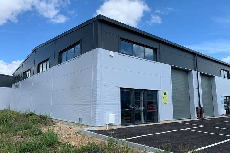 IL8, Daedalus Park, Lee-On-The-Solent, Industrial To Let - UnOxX9cw.jpg