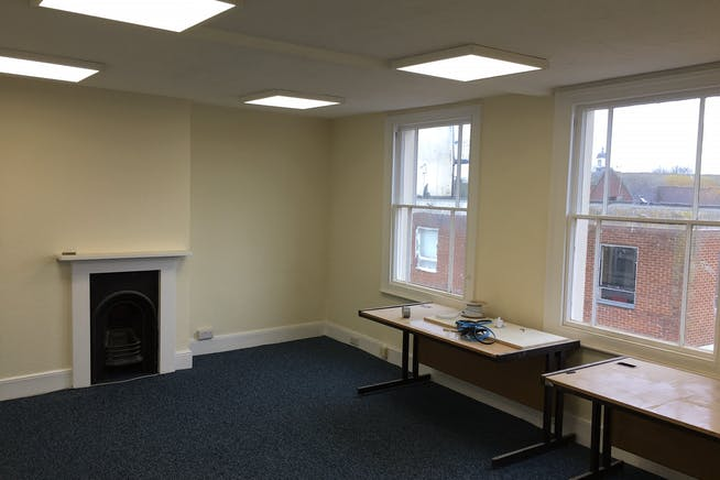2 High Street Mews, Poole, Office To Let - 02.jpg