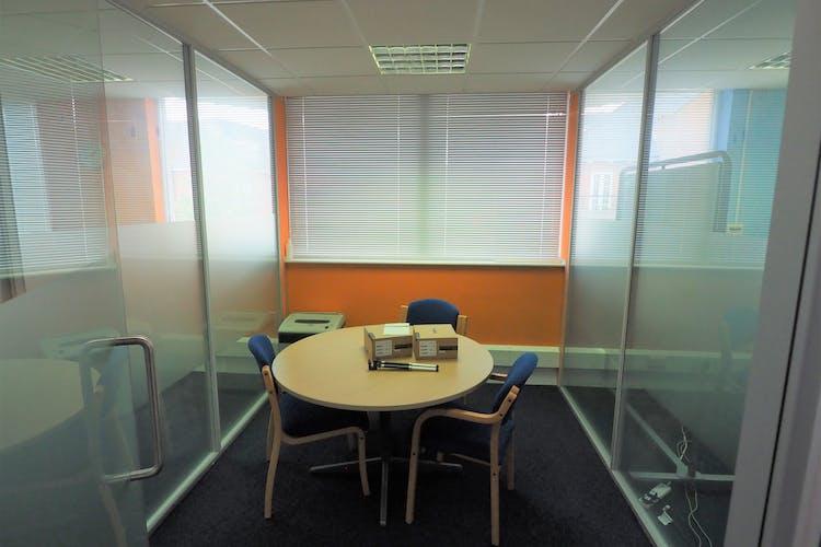1st Floor, Westpoint, Horsham, Office To Let - P5270004.JPG