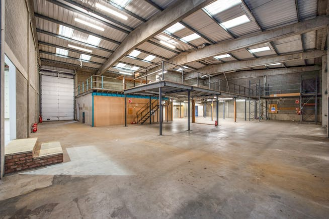9-10 Meadow View, Crendon Industrial Park, Long Crendon, Industrial To Let - 9-10 INT A copy.jpg