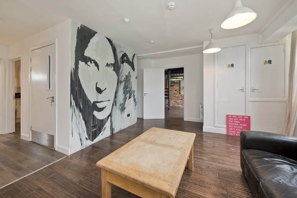 Unit 14, London, Residential To Let - unit 14 the talina centre7718 low.jpg