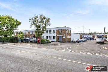 Unit B1 & B2, Fairacres Estate, Windsor, Industrial / Office To Let - 3c1af111f0f14f82a23b8c1f482a6293.jpg