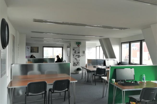 Third Floor, 69 High Street, Maidenhead, Offices To Let - 4d525b3b22367d1b407083565f871907d7e62f8b.jpg
