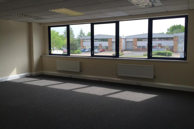 Unit 4 Guildford Industrial Estate, Guildford, Warehouse & Industrial To Let - internal 6