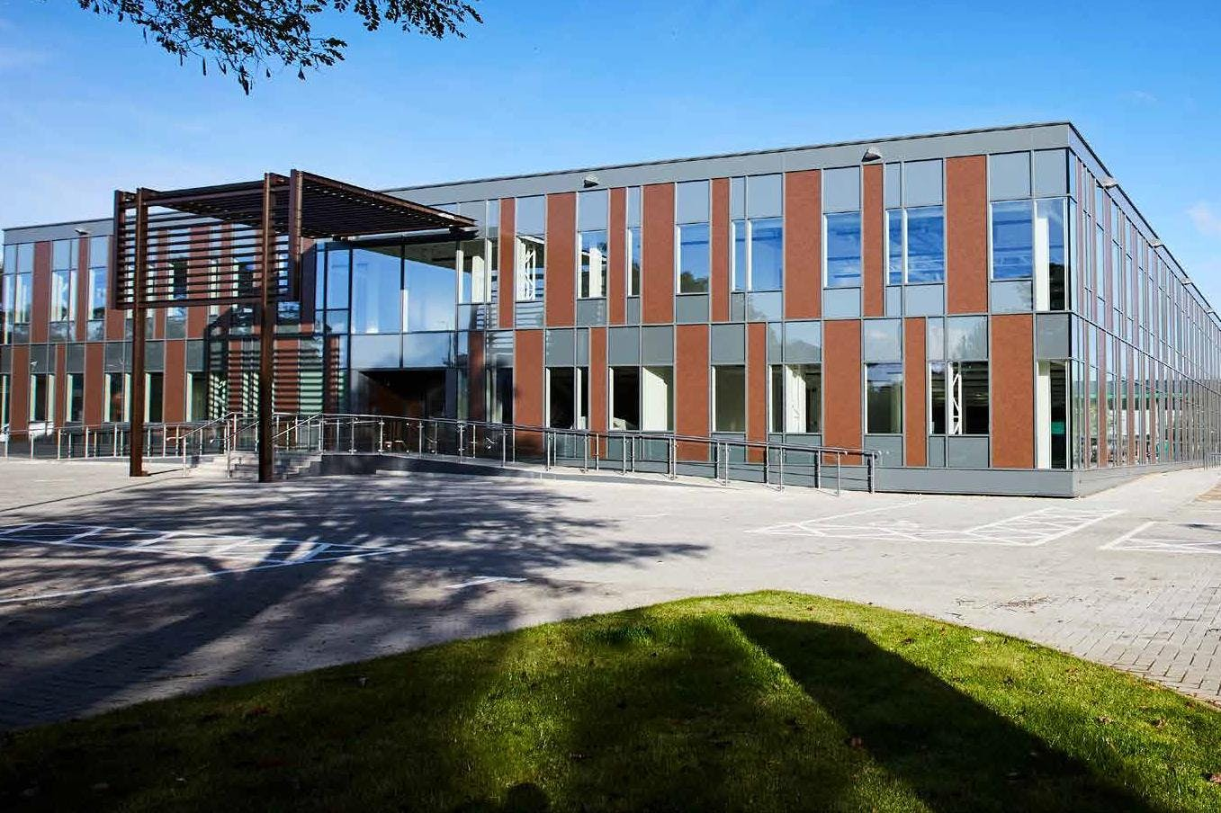 4 The Sector, Newbury Business Park, Newbury, Office To Let - Exterior.jpg