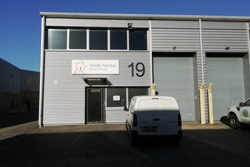 Unit 19, Bilton Industrial Estate, Bracknell, Industrial To Let - IMG_20210122_114233_resized_20210122_015126504.jpg