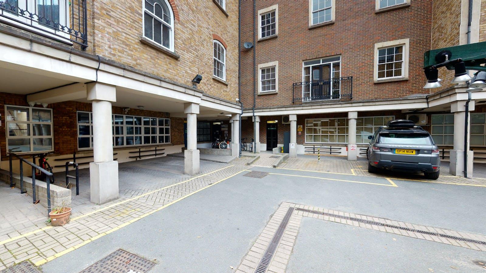 3 Bath Place, 3 Bath Place, London, Office To Let - Space Photo 18.jpg