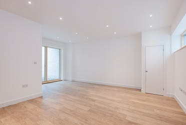 18 Ellingfort Road, London, Offices To Let - 18 Ellingfort Road, E8 picture No. 1 - More details and enquiries about this property