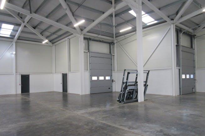 Unit 1, Kestrel Business Park, Kestrel Way, Woking, Warehouse & Industrial To Let - IMG_7934.JPG