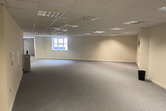 Unit 1C, Queens Apartments, Hastings, Office To Let - IMG_4946.JPG