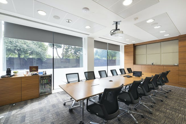 Hythe House, Hammersmith, Hammersmith, Offices To Let - IW220519GKA048.jpg
