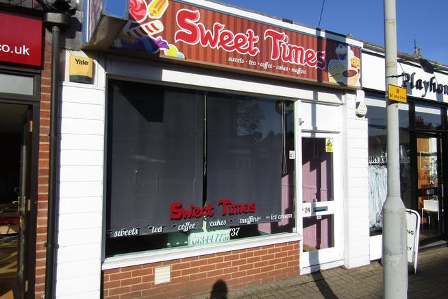 24 Dukes Ride, Crowthorne, Retail For Sale - IMG_0576.JPG