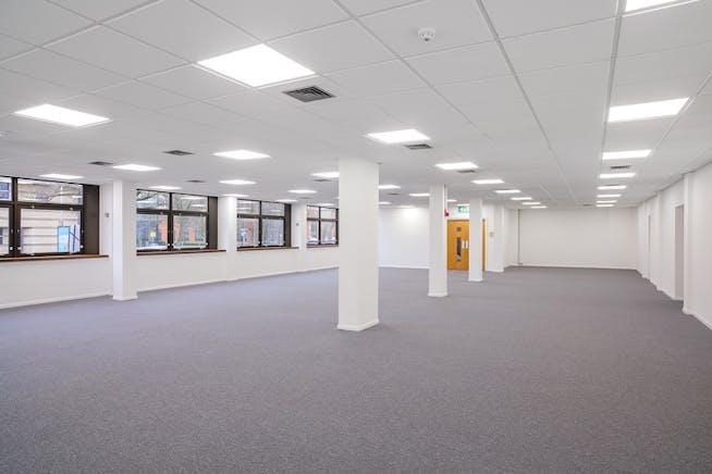 Unit 3, The Western Centre, Bracknell, Industrial To Let - inn7H3jbL.jpg