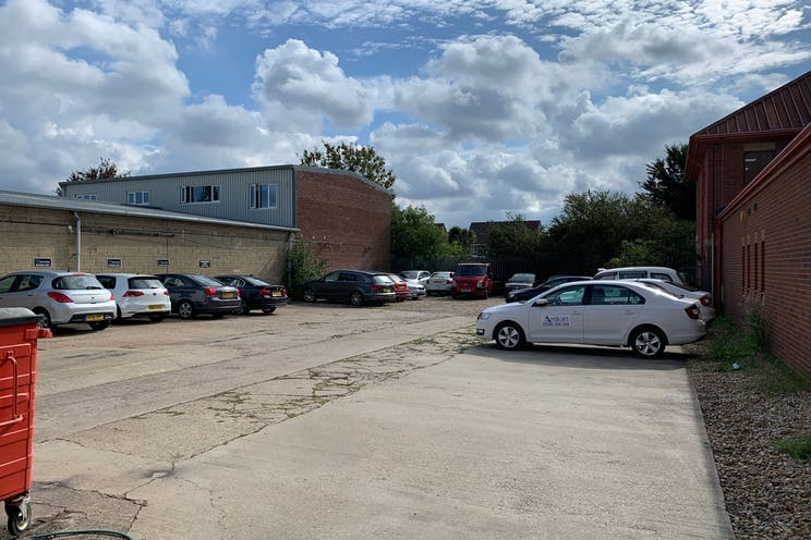 2 Downley Road, Havant, Office / Industrial / Trade Counter To Let - Q_moZXbQ.jpeg