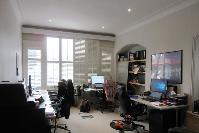 Salisbury House, 20 Queens Road, Weybridge, Offices To Let - IMG_0929.JPG